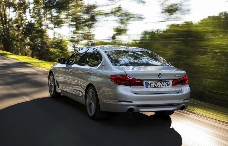 Photo wallpaper road, grey, movement, BMW, sedan, rear view, hybrid, 5, four-door, 2017, 5-series, G30, 530e iPerformance