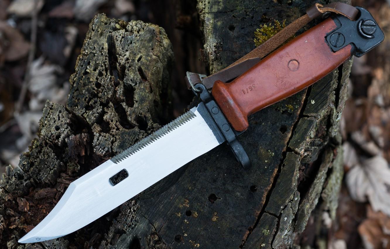Photo wallpaper weapons, AKM, bayonet knife, Tula, Soviet Bayonet, Type II
