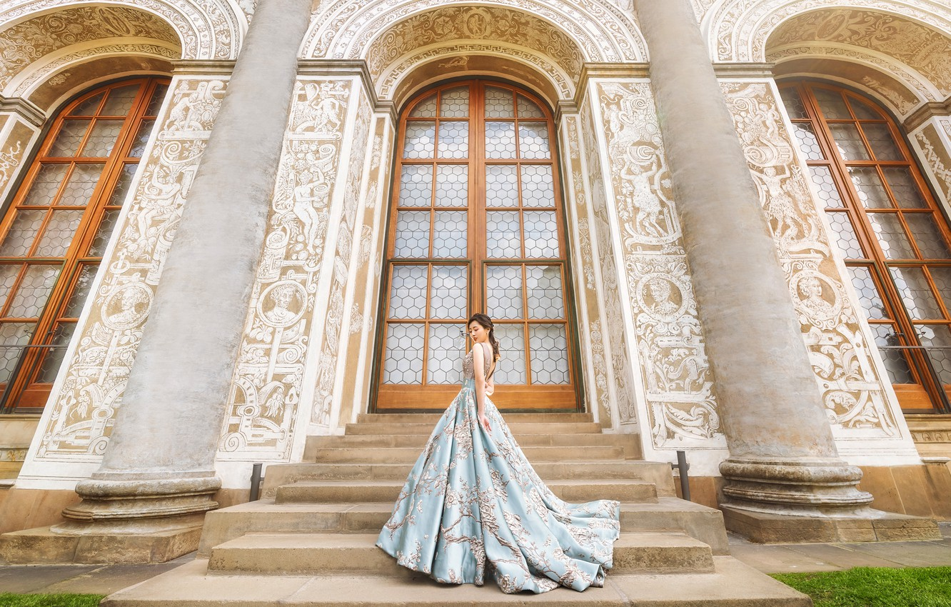 Photo wallpaper girl, pose, style, blue, the building, Windows, door, dress, ladder, columns, stage, arch, Asian, is, …