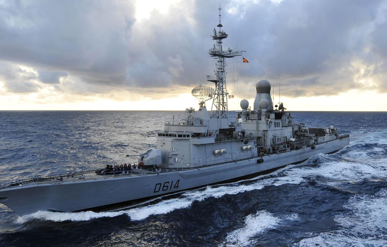 """Photo wallpaper The ocean, Wave, French Navy, Marine Nationale, Destroyers type """"Cassard"""", Cassard (D614), Class Cassard"""