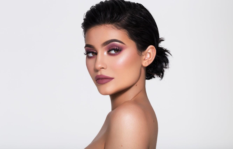 Photo wallpaper portrait, celebrity, Kylie Jenner