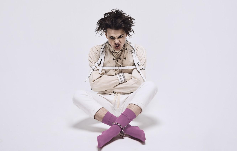 Wallpaper Socks Musician Singer British Yungblud Images For Desktop Section Muzyka Download