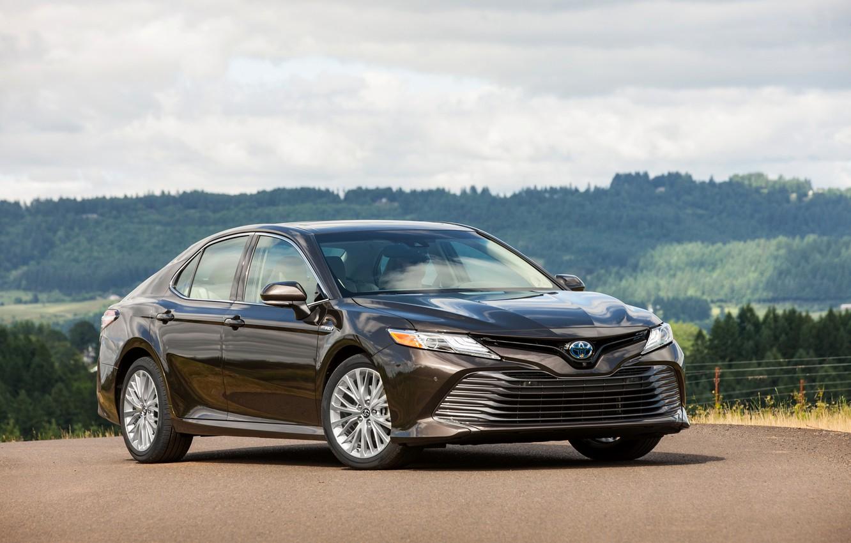 Photo wallpaper Parking, Toyota, sedan, 2018, Camry, XLE Hybrid