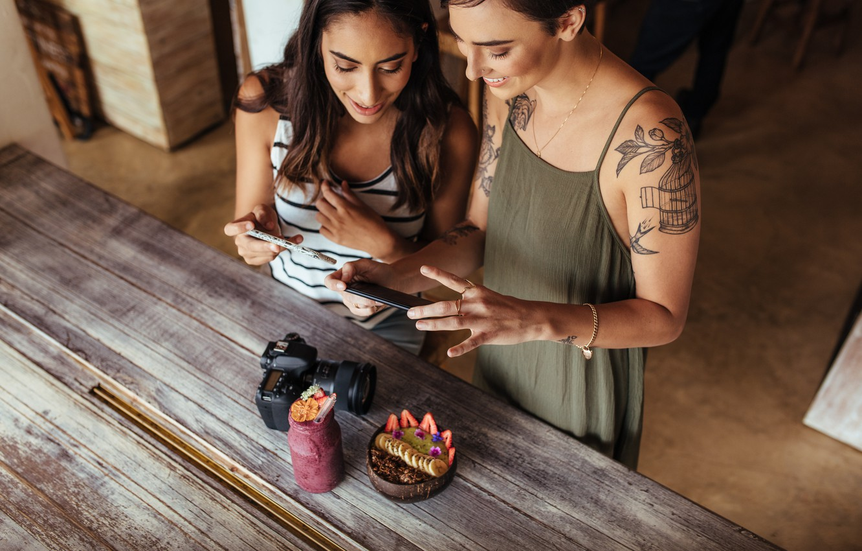 Photo wallpaper art, women, friendship, fun, tattoos, photo camera, cell phones