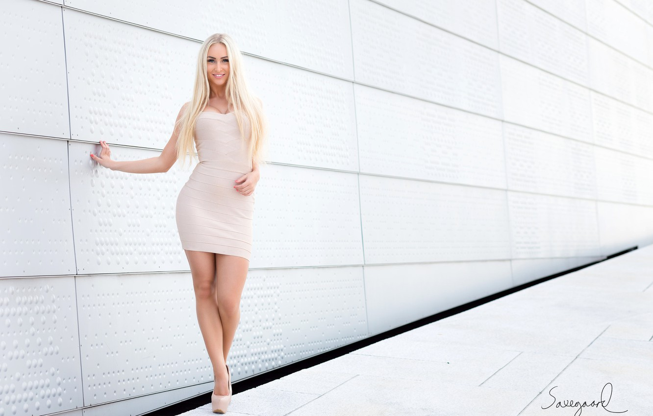 Photo wallpaper look, pose, smile, model, portrait, makeup, figure, dress, hairstyle, blonde, shoes, is, in white, sexy, …