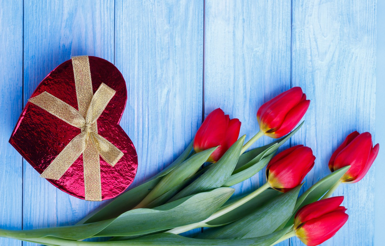 Photo wallpaper flowers, gift, heart, candy, tulips, red, red, heart, flowers, romantic, tulips, chocolate, valentine's day, gift ...