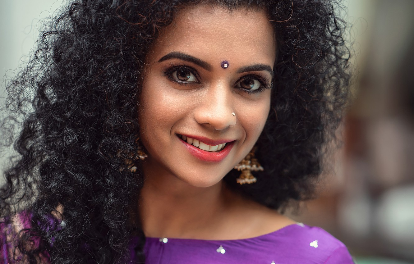 Wallpaper Eyes Smile Model Beauty Face Look Indian Makeup Curly Hair Images For Desktop Section Devushki Download