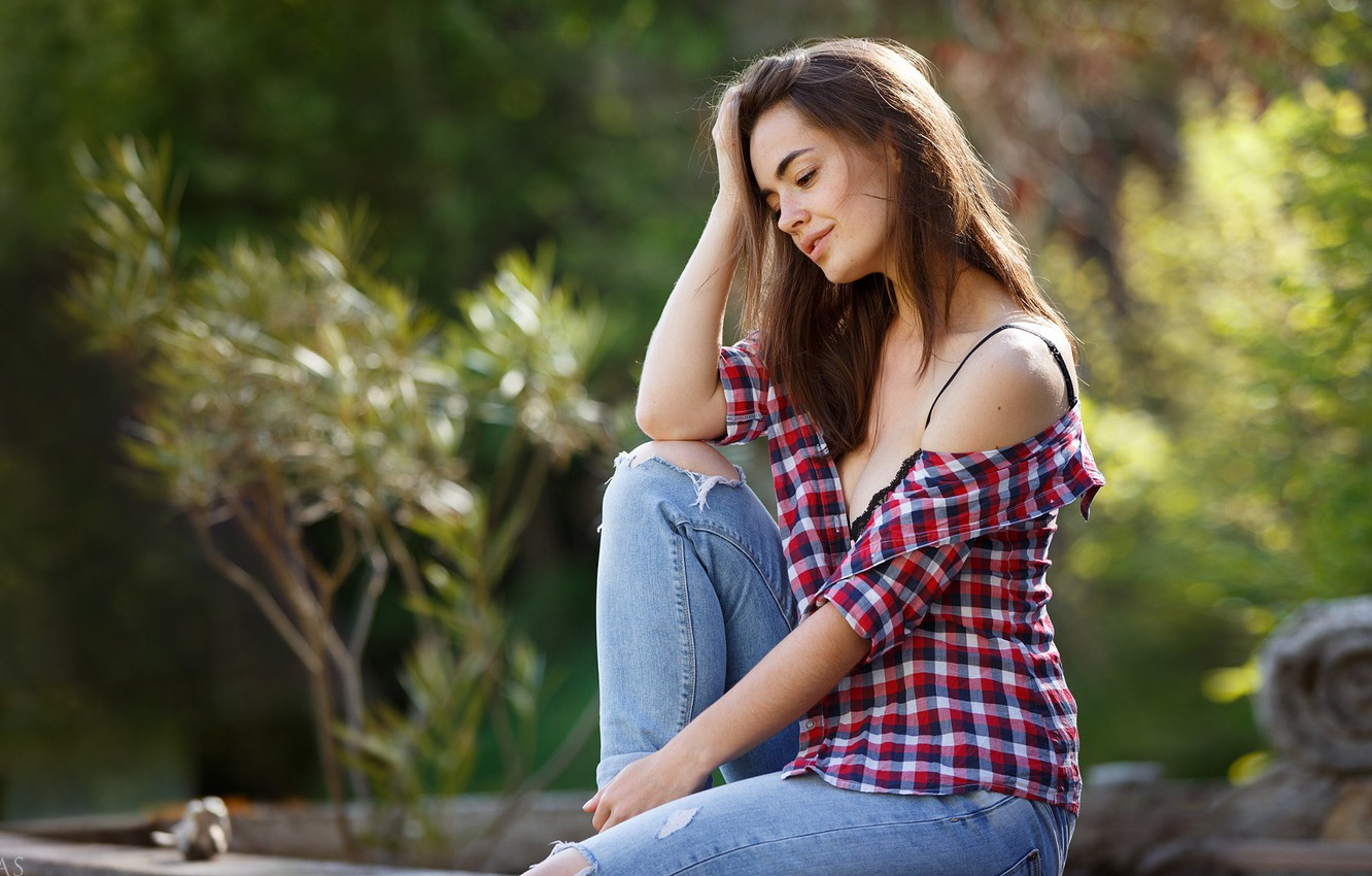 Photo wallpaper girl, cleavage, long hair, breast, photo, photographer, model, jeans, face, brunette, chest, sitting, shirt, portrait, …