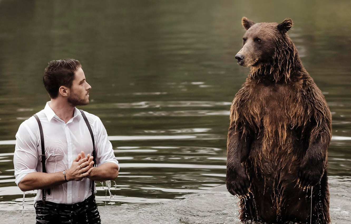 Photo wallpaper water, meeting, the situation, bear, guy, stand