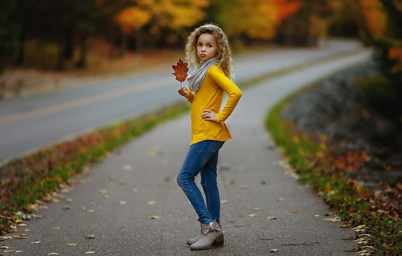 Photo wallpaper road, autumn, girl