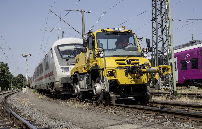 Photo wallpaper yellow, rails, train, Mercedes-Benz, tug, railroad, composition, tractor, machinery, Unimog, U423