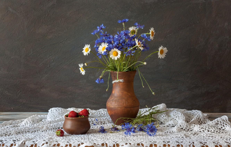 Photo wallpaper flowers, chamomile, still life, cornflowers, Klubnika