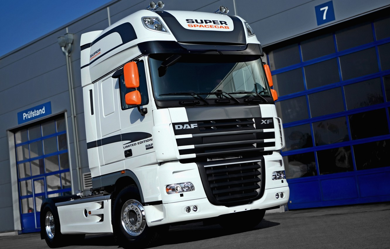 Photo wallpaper white, DAF, tractor, Limited Edition, DAF, 4x2, Super Space Cab, DAF XF105.460 FT