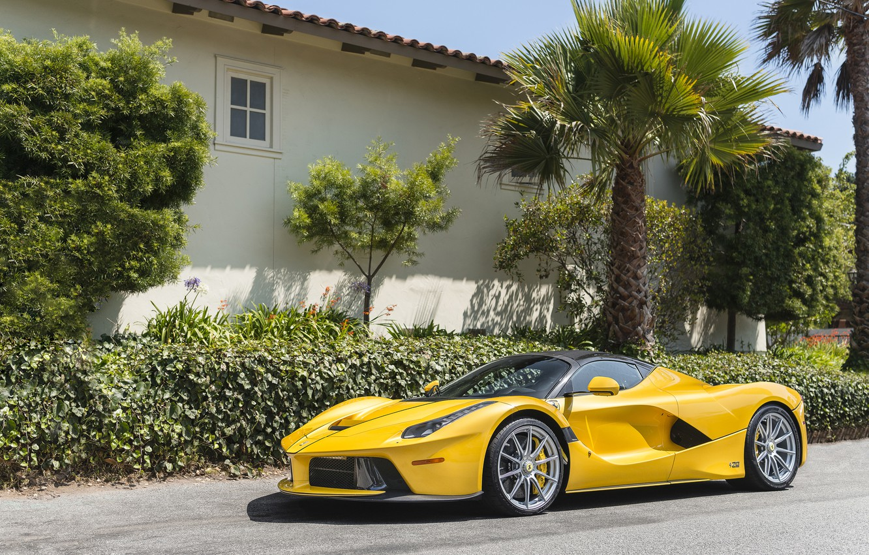 Photo wallpaper house, palm trees, Bush, Yellow, Ferrari, Ferrari, wheel, Jeep Has Open