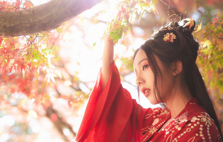 Photo wallpaper leaves, girl, light, nature, face, style, portrait, branch, Asian, red kimono