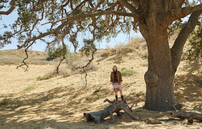 Photo wallpaper tree, actress, Lili Reinhart