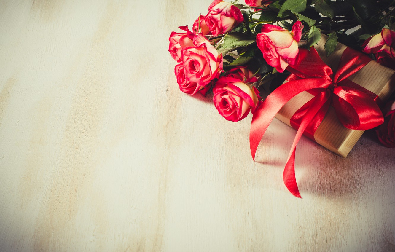 Photo wallpaper love, gift, roses, bouquet, tape, red, red, love, flowers, romantic, valentine's day, roses, gift box