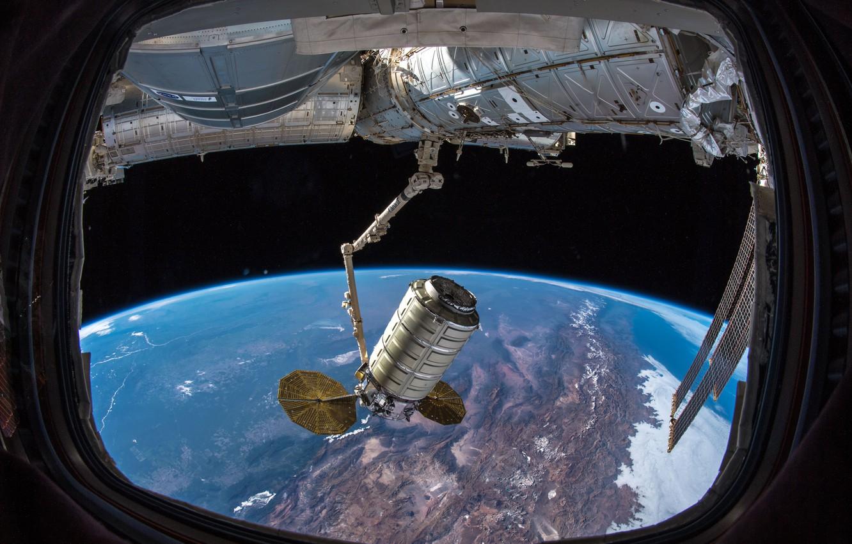 Photo wallpaper Doc, ISS, Cargo