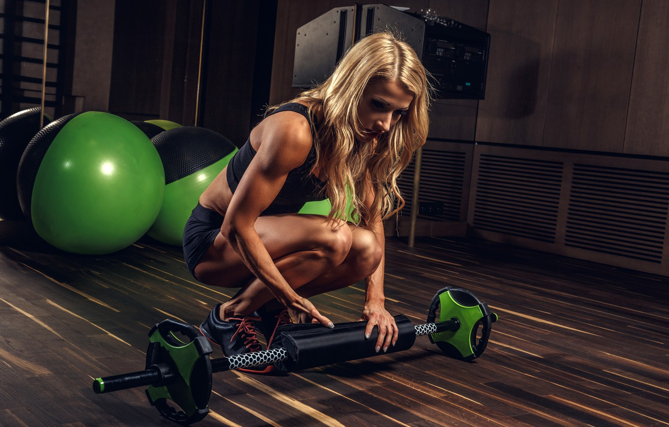 Photo wallpaper girl, sport, shorts, balls, Mike, figure, hairstyle, blonde, mirror, fitness, athlete, sneakers, rod, the gym, …