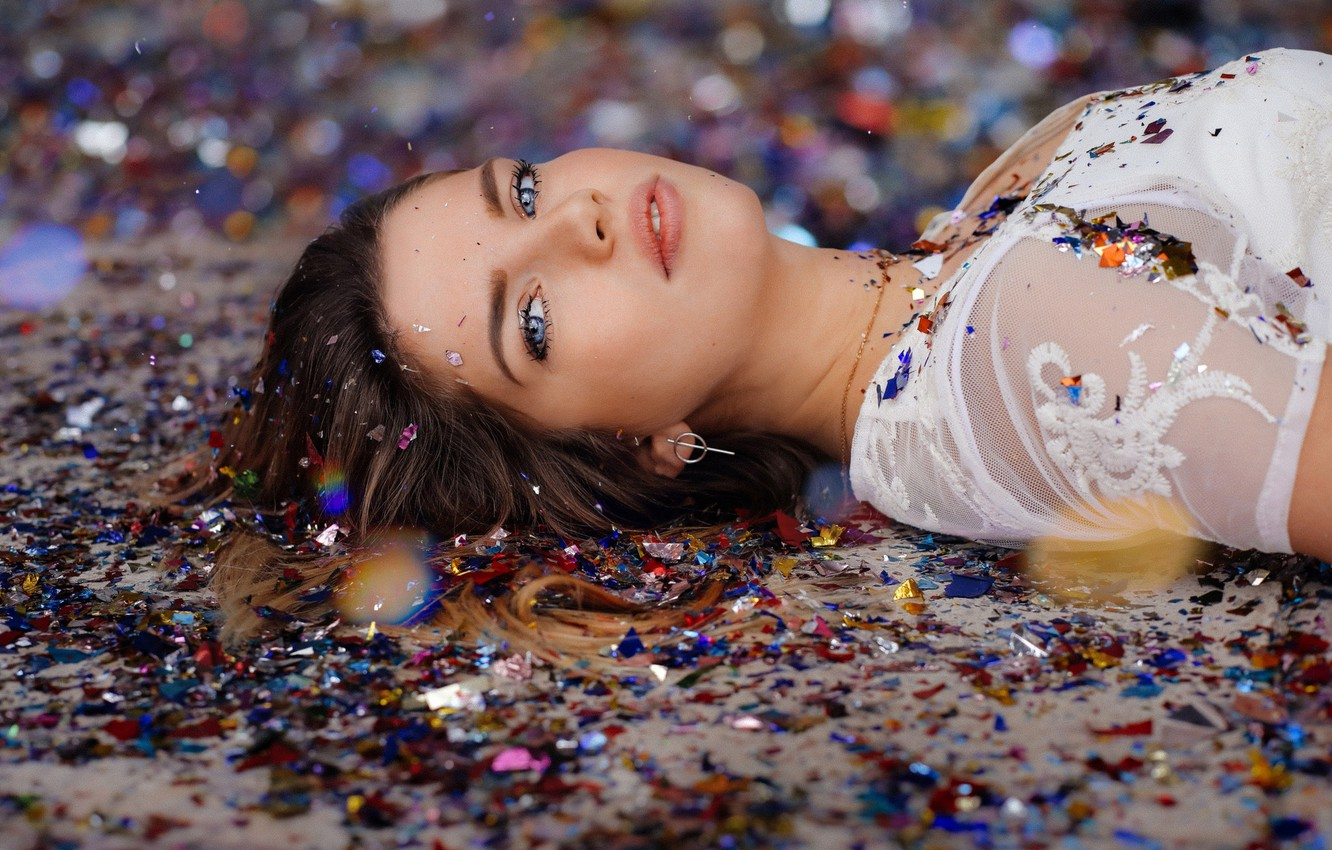 Photo wallpaper Girl, Beautiful, Eyes, Sight, Brown-haired, Confetti