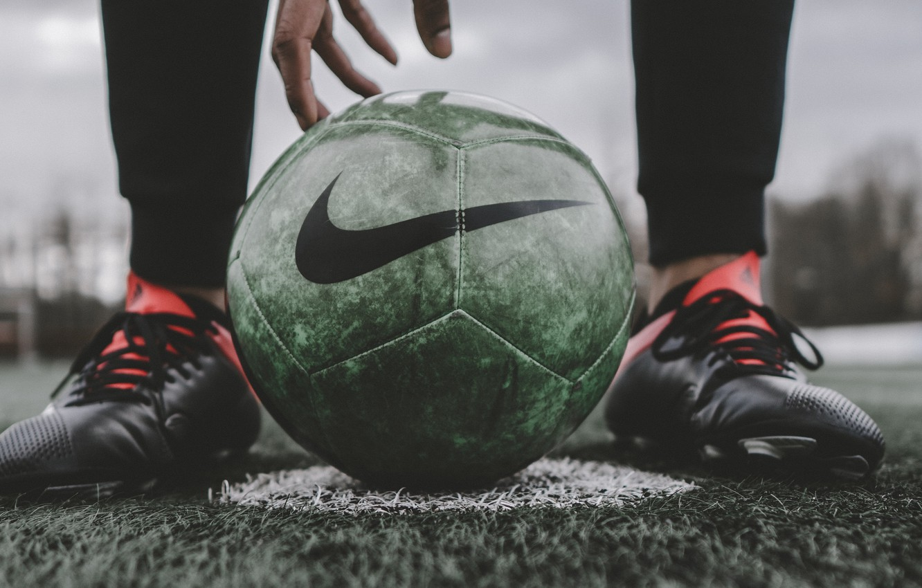 Wallpaper Legs Macro Blur Football Bokeh Ball Hand Sports Person Feet Football Player Lawn Soccer Ball Soccer Player 4k Uhd Background Sports Macro Images For Desktop Section Makro Download