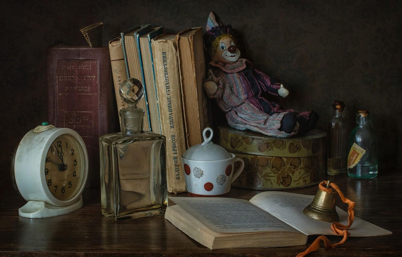 Photo wallpaper bubbles, style, toy, watch, books, clown, alarm clock, bottle, bell