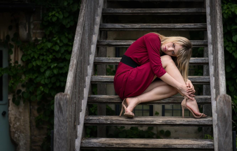 Photo wallpaper girl, model, hair, dress, ladder, steps, beautiful legs