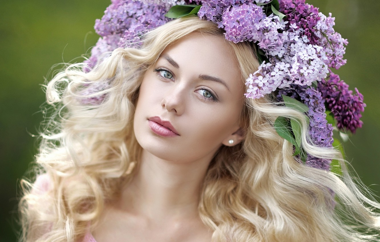 Photo wallpaper girl, face, blonde, wreath, lilac
