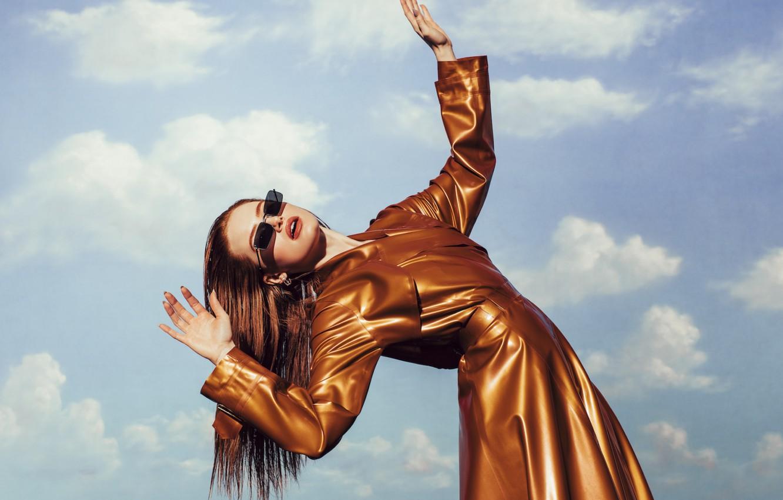 Photo wallpaper pose, actress, Madelaine Petsch