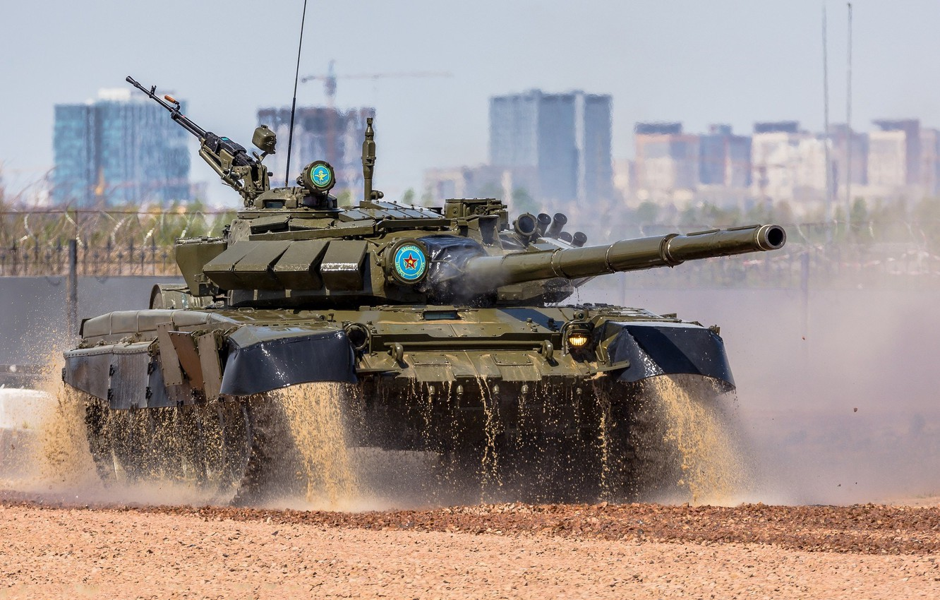 Photo wallpaper squirt, dirt, tank, armor, T-72, The Russian