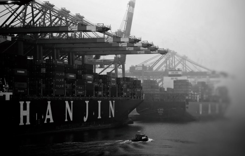 Photo wallpaper Fog, Port, Boat, The ship, A container ship, Cranes, Black - and-white., Zaton, Hanjin, Cargo …