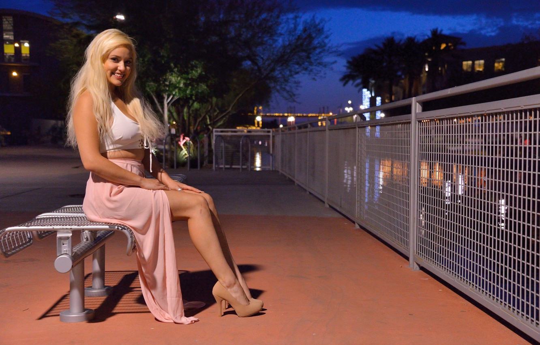Photo wallpaper girl, night, blonde, girl, sitting, promenade, beautiful girl, blond, Kylie Page