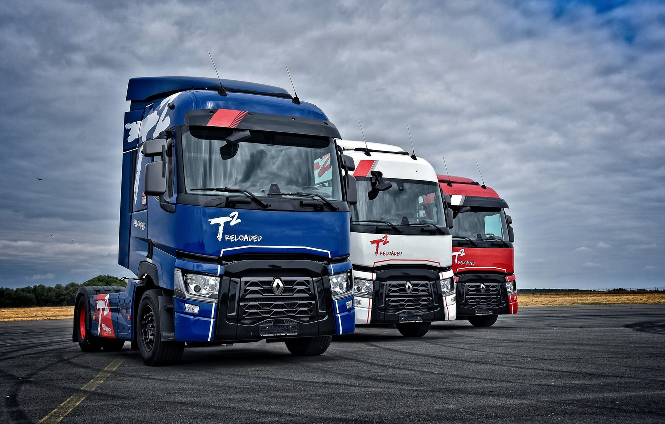 Photo wallpaper the sky, asphalt, clouds, trucks, Renault, tractors, 4x2, Renault Trucks, T-series
