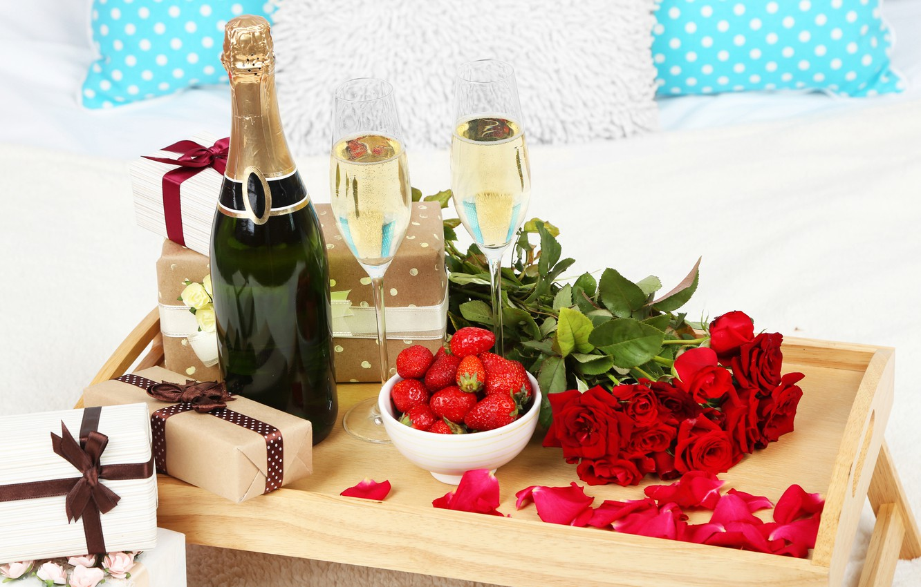 Photo wallpaper Bottle, Strawberry, Roses, Holiday, Gifts, Champagne, Birthday