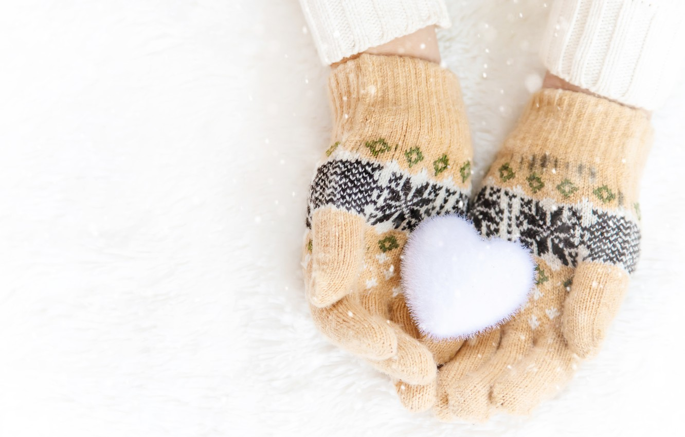 Photo wallpaper winter, snow, snowflakes, heart, love, heart, pink, winter, mittens, snow, hands, snowflakes
