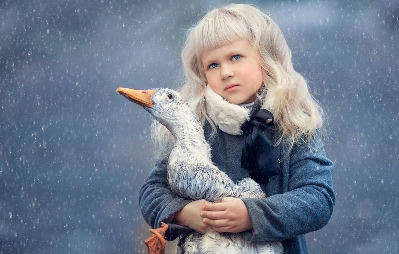 Photo wallpaper rain, kindness, hugs, Girl, duck