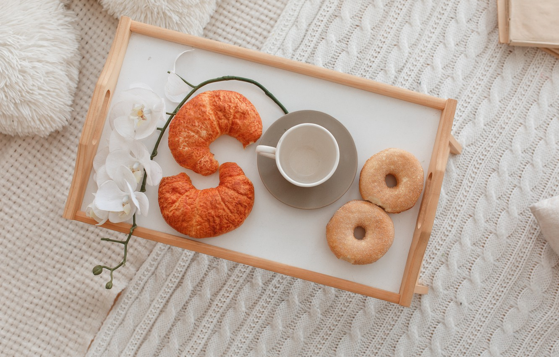 Photo wallpaper Breakfast, Cup, plaid, donut, Orchid, cup, orchid, growing, breakfast, croissant, donuts