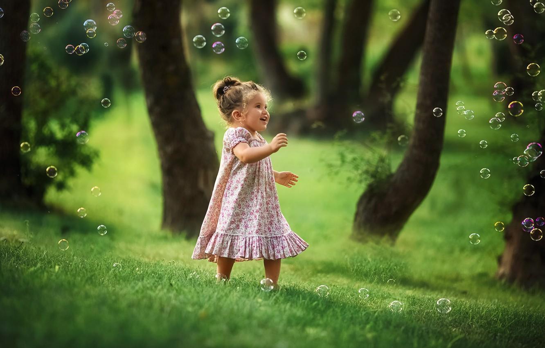 Photo wallpaper grass, bubbles, dress, girl