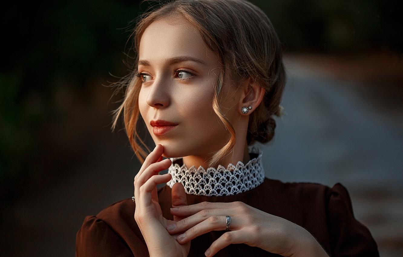 Photo wallpaper girl, face, portrait, hands
