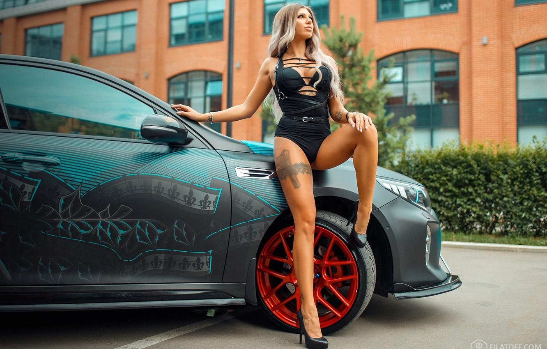 Photo wallpaper machine, auto, girl, pose, feet, tattoo, Dmitry Filatov