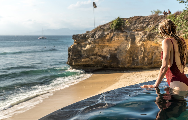 Photo wallpaper sea, swimsuit, water, girl, drops, stones, hair, pool, wet