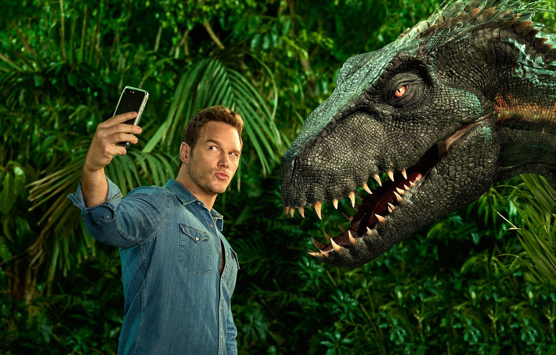 Photo wallpaper dinosaur, phone, male, Chris Pratt, In Jurassic World Fallen Kingdom