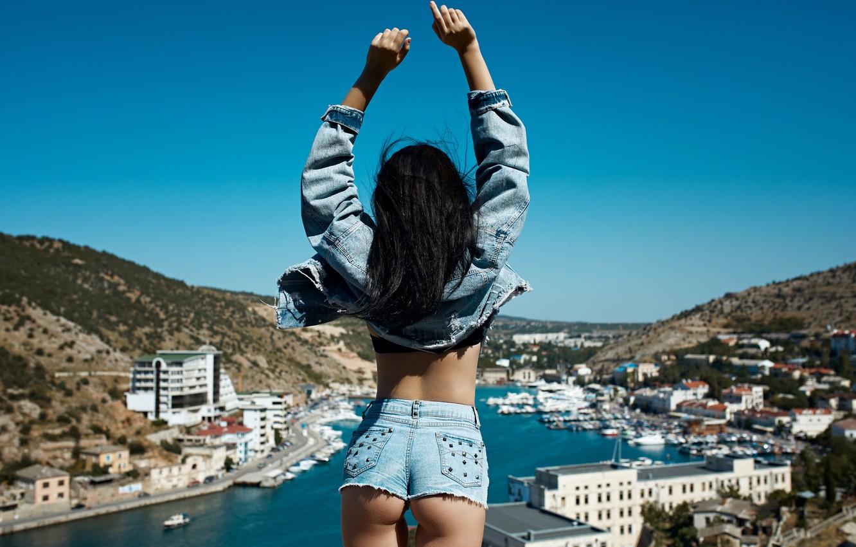 Photo wallpaper city, girl, ass, Model, shorts, river, sky, legs, landscape, nature, photo, mountain, brunette, butt, back, …