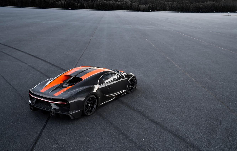 Photo wallpaper asphalt, Bugatti, the wheel marks, hypercar, Chiron, Super Sport 300+