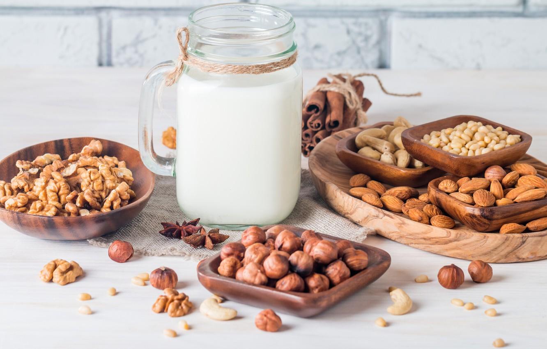 Photo wallpaper milk, nuts, cinnamon, almonds, hazelnuts, walnut, cashews, кедровые орехи