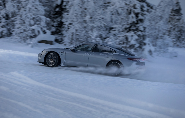 Photo wallpaper snow, grey, Porsche, in motion, 2020, Taycan, Taycan 4S