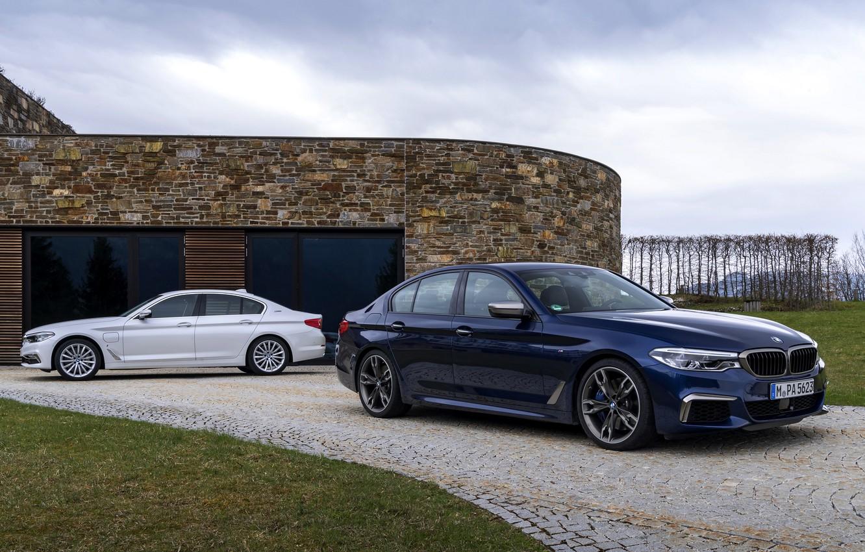 Photo wallpaper white, grass, pavers, BMW, hybrid, 5, dark blue, 2017, 5-series, G30, sedans, M550i xDrive, M-performance, …
