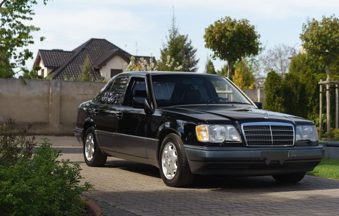 Photo wallpaper Mercedes-Benz, E320, W124