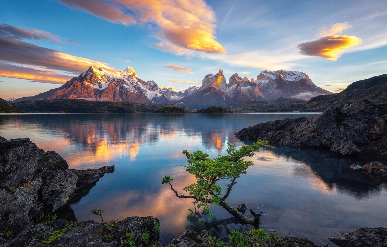 Photo wallpaper the sky, clouds, mountains, lake, rocks, Chile, Patagonia, Lake Pehoe, Timothy Poulton
