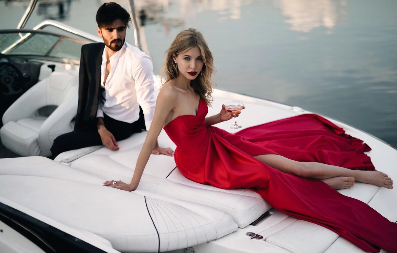 Photo wallpaper model, glass, boat, pair, fashion